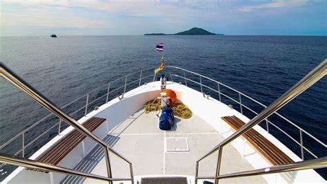 Scuba Dive Trips - diving day trips phuket phi phi islands racha dive