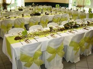 Decoration De Table Pour Mariage : deco mariage vert blanc gris ~ Teatrodelosmanantiales.com Idées de Décoration