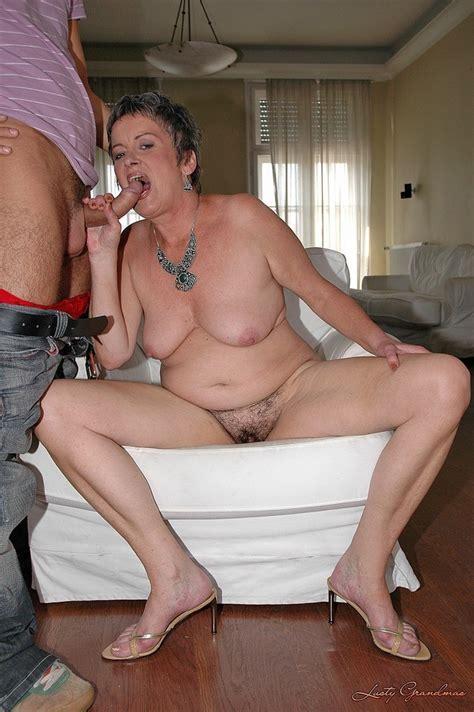 Depraved Uk Mums Posing Naked Big Size Picture 3