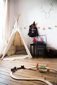 Tente Enfant Tipi : viens t asseoir dans la cabane de ton enfant dans ma chambre il y a ~ Teatrodelosmanantiales.com Idées de Décoration