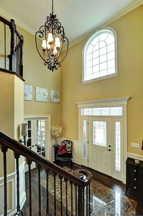 Chandelier For Two Story Foyer by Best 25 2 Story Foyer Ideas On Hallway