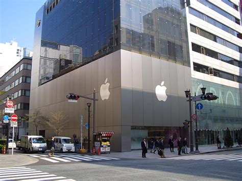 The Top Ten Awe-inspiring Apple Stores In The World