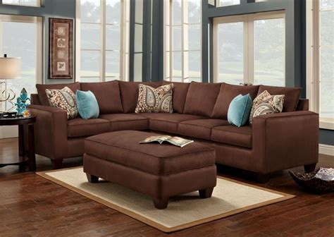 Turquoise is a great accent color to chocolate brown! #