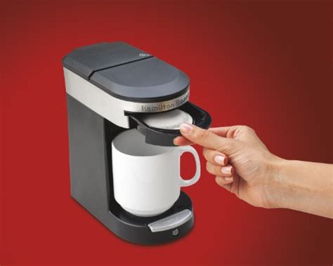 Brewing a steaming pot of java to sip slowly. HAMILTON BEACH 49970 PERSONAL CUP ONE CUP POD BREWER Review