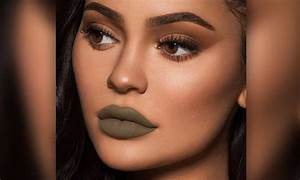 Kylie Jenner Poses In New Green Lipstick For Kylie