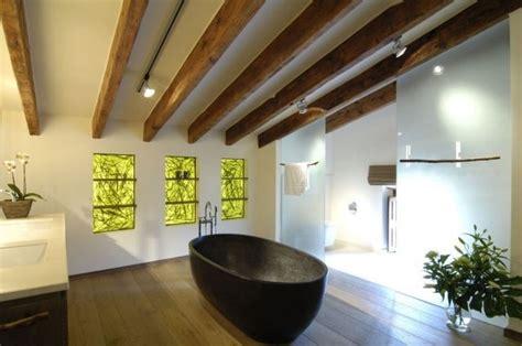 Schiebetüren Dachschräge Preise by Badezimmer Bilder Zen Ambiente Holz Dachbalken Dachschr 228 Ge