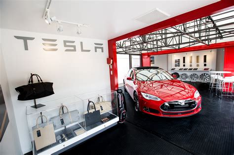 tesla model    revealed   enter production
