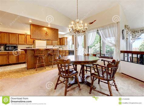 cuisine manger pièce lumineuse de cuisine avec l 39 ensemble rustique de