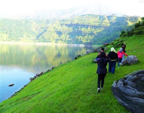 sisi lain telaga menjer dieng wonosobo tempat wisata