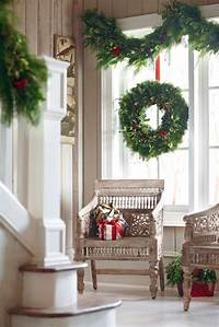 window decorating ideas COZY WINDOW DECORATION INSPIRATIONS FOR THE FESTIVE EVE..... - Godfather Style