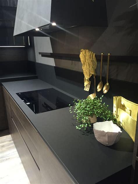drama  elegance reflected   black kitchen countertop