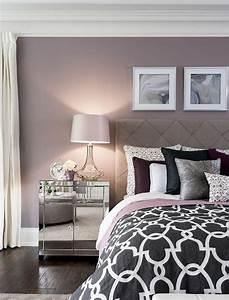 1001 idees pour la decoration d39une chambre gris et violet With chambre lilas et gris