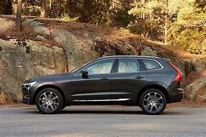 Volvo Xc60 Dimensions : volvo xc60 specs 2017 2018 autoevolution ~ Medecine-chirurgie-esthetiques.com Avis de Voitures