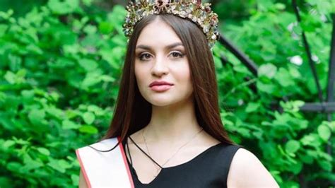 Russian Beauty Pageant Contestants 'tricked Student Into