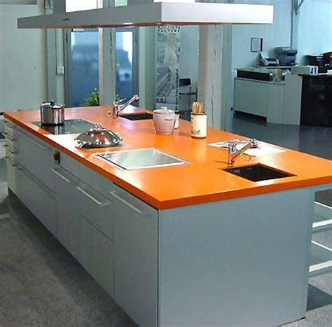 cuisine plan de travail en lot de cuisine moderne clair