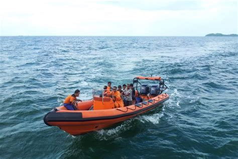 Rescue Boats For Sale Australia by An Search And Rescue Boat Abc News
