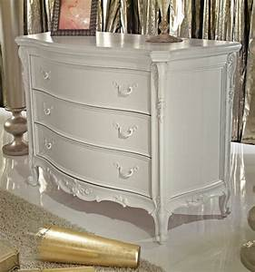 Grande Commode Blanche : mettez une commode blanche pour plus de charme la maison ~ Teatrodelosmanantiales.com Idées de Décoration