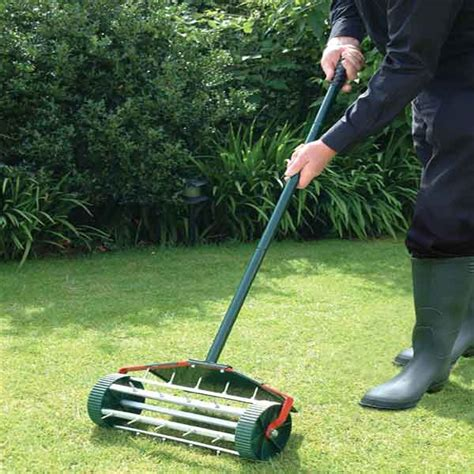 lawn aerator lawn tools sale fast delivery greenfingers com