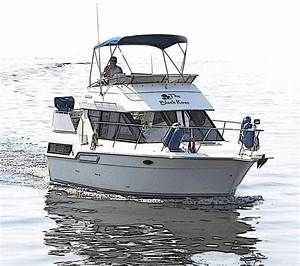 1993 Carver 300 Aft Cabin Power Boat For Sale