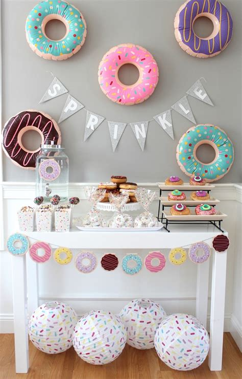 10 Unique And Creative Baby Shower Themes  Kate Aspen Blog