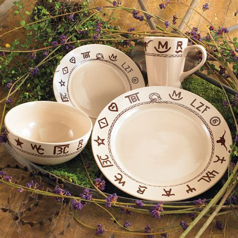 Branded Dinnerware Set   16 pcs