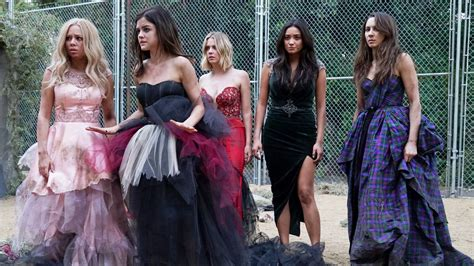 'Pretty Little Liars' elenco