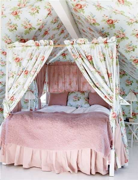 shabby chic bedroom wallpaper 12 best images about floral wallpaper ideas on pinterest satin ux ui designer and classic