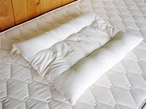 how to find the right pillow how to find the right pillow for neck choose the