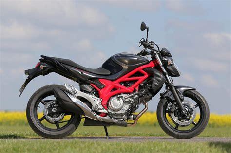 Suzuki Gladius 650 by Suzuki Gladius 650 Test 2014 Motorrad Fotos Motorrad Bilder