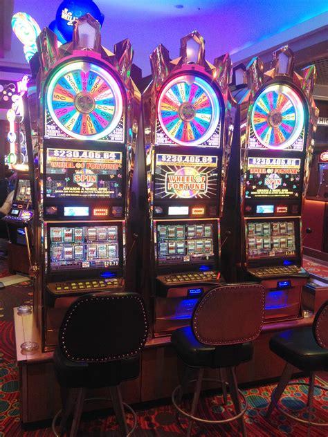 wheel fortune slot slots machines game spin casino machine themed rock hard tampa limit games level take super luck seminole