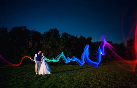 How Incorporate Night Photography Into The Wedding Day