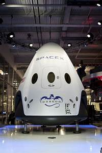 Big Safety Tests Loom for SpaceX's Manned Dragon Space Capsule