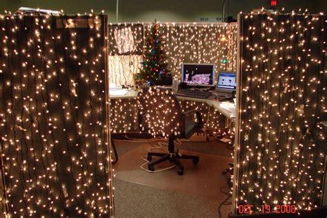xmas cubicle decoration theme