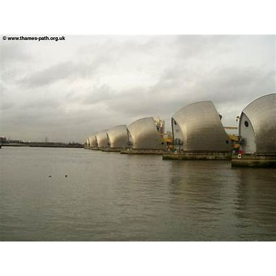 The Thames Path - Barrier to Greenwich