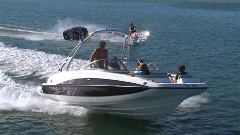 Bayliner 215 Deck Boat by Bayliner 215 Deck Boat Maximum Capacity For Turning