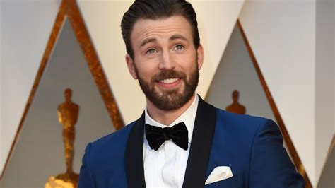 Chris Evans Had the Best Response to His Nude Photo ...