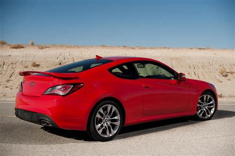 review hyundai 2013 genesis coupe wired