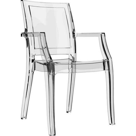 la chaise arthur avec ses accoudoirs est en plexi transparent