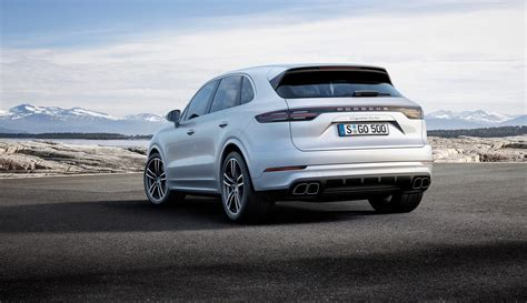 2019 Porsche Cayenne Turbo Debuts With Insane Performance