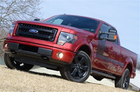 ford  series leads  auto sales    straight