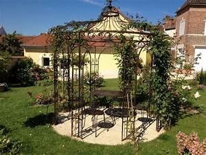 gloriette de jardin avec les meilleures collections d39images With wonderful gloriette de jardin en fer forge 1 kiosques et gloriettes jardin abris portails