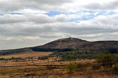 mont michel de braspart file le mont michel de brasparts et sa chapelle jpg wikimedia commons
