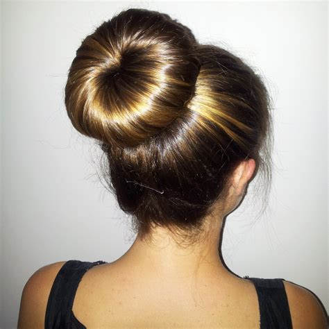 easy classy donut bun hairstyles  create neat image