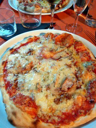 cuisine italienne pizza restaurant pizza pic dans lary soulan avec cuisine