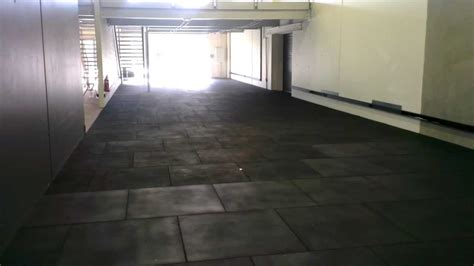 how to lay install rubber flooring