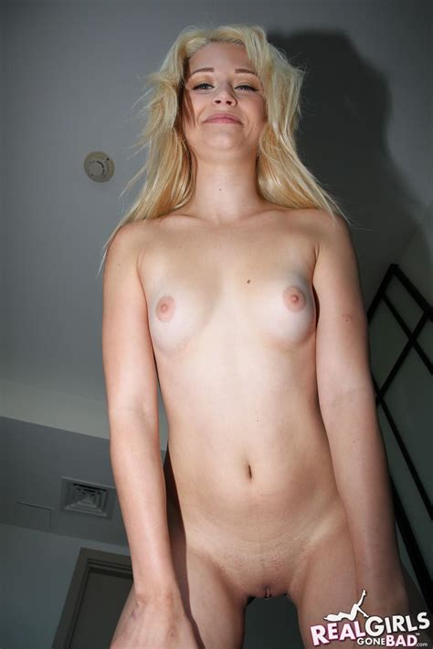 Hot Blonde College Student Shows Off Her Tight Nude Body