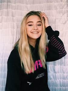"Lizzy Greene on Twitter: ""your never fully dressed without ..."