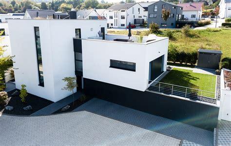Dachterrasse Auf Flachdach by Einfamilienhaus Mit Flachdach Familie B Aus Wiernsheim