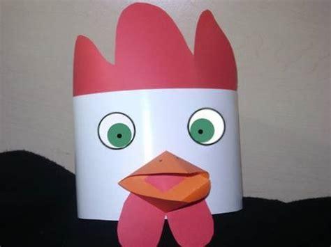 manualidades de papel sombrero de gallo tradicional