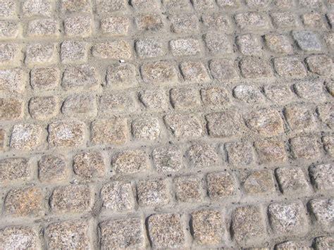 Sandstein Verfugen Material by Pflastersteine Verfugen So Wird S Gemacht